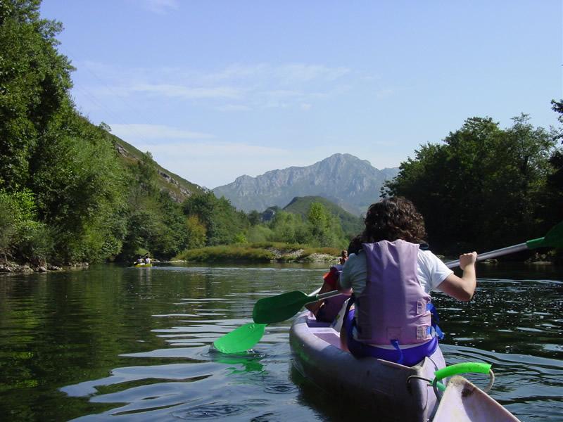 Descenso en canoa del río Sella
