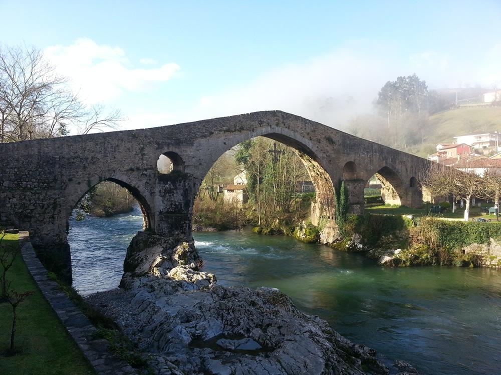 Panorámica Puente Romano Cangas de Onís